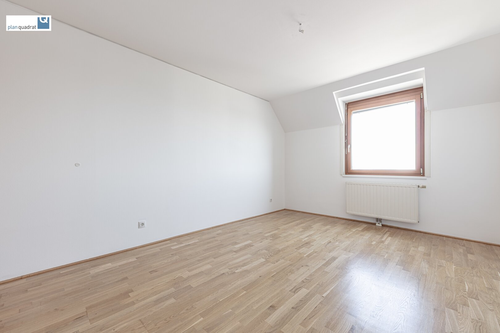 Schlafzimmer (ca. 15,70 m²) auf Wohnebene 1