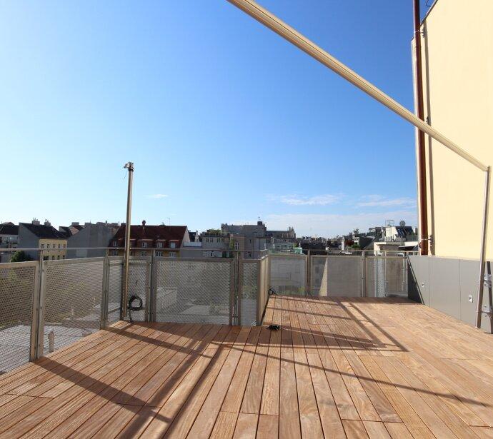 Perfekter Luxus: Wohntraum auf zwei Ebenen mit Südterrassen