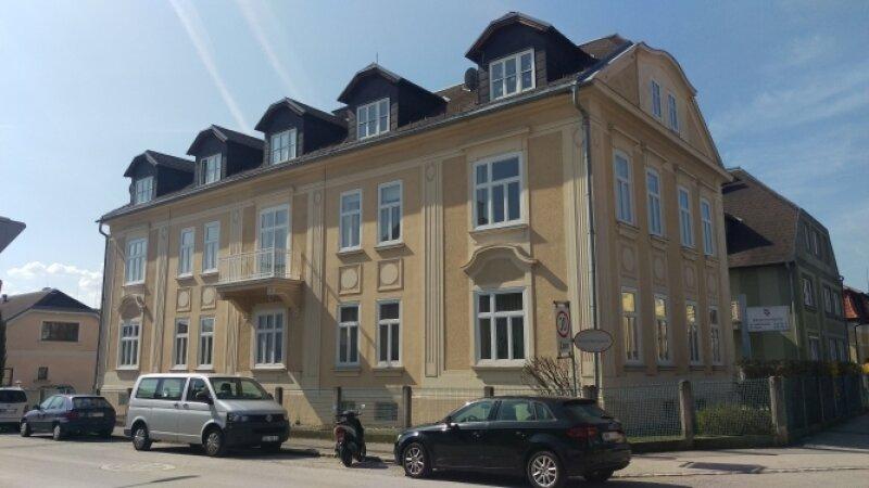 represäntatives Altbau Büro / Kanzlei mit Parkplatz