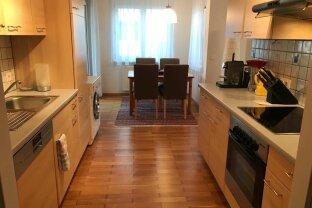 Koffer packen und einziehen - 3 Zimmer Wohnung mit Terrassen und Garage, komplett möbliert