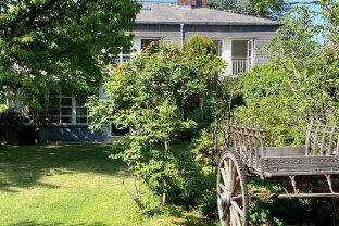 Unikat - französische Landhausvilla - absolute Maurer Bestlage - Prachtgarten - Grünruhelage - OBJEKTVIDEO