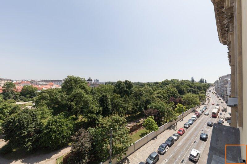 Botschaftsviertel - klimatisierte Altbauwohnung mit Blick in den Park des Palais Schwarzenberg /  / 1040Wien / Bild 1