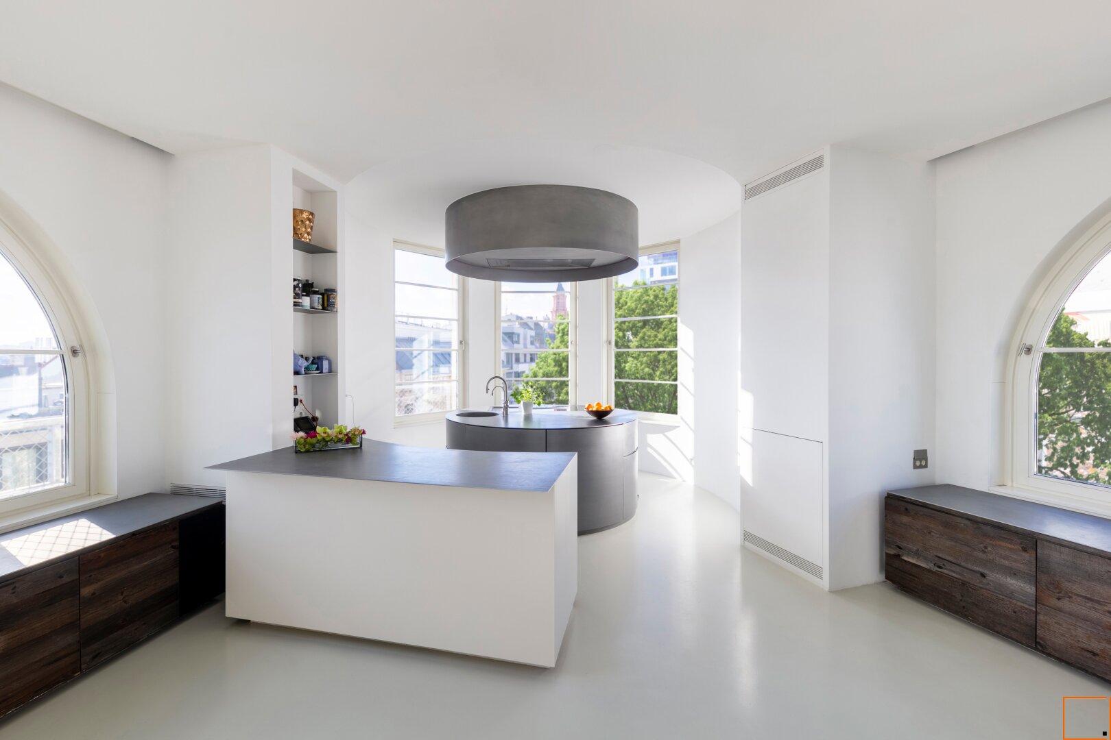 Designer-Küche mit Grünblick