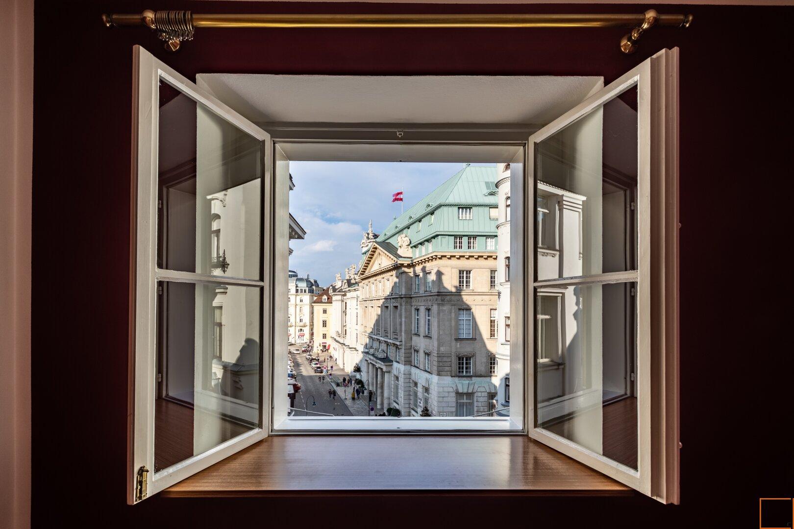344 Erkerzimmer Blick Am Hof