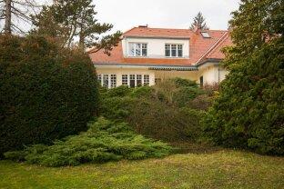 Villa in Mauer mit parkähnlichem Garten