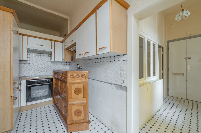 ++NEU++ Modernisierungsbedürftige 2-Zimmer Altbauwohnung, schönes Haus, viel Potenzial! /  / 1050Wien / Bild 3