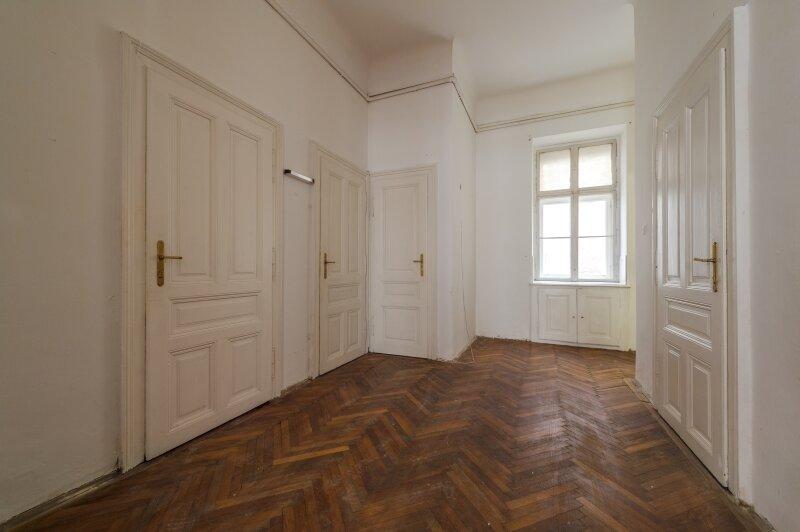 ++NEU++ Sanierungsbedürftige Stilaltbauwohnung in aufstrebender Lage! 4-Zimmer möglich! /  / 1150Wien / Bild 6