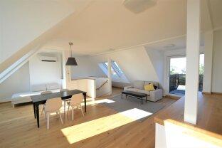 Provisionsfrei: Besonders schöne moderne klimatisierte 4-Zimmer Dachgeschoßwohnung / free of commission: Very nice modern 4-room attic apartment
