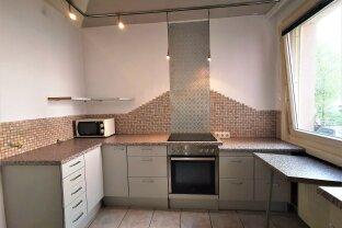 GELEGENHEIT: 3 Zimmer (86 m2 Wohnfläche) mit separater Küche im Ersten Liftstock