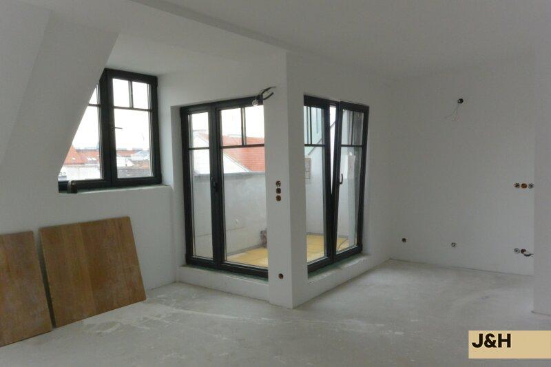 Luxuriöse, lichtdurchflutete DG-Wohnung, in Top-Lage /  / 1060Wien / Bild 0