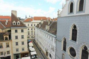 Stylische 73m² DG-Wohnung mit Einbauküche am Franziskanerplatz!