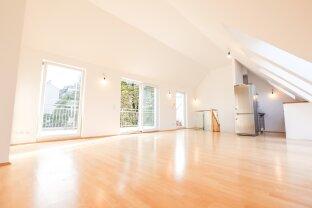 Helle Dachgeschoß-Maisonette-Wohnung in zentraler Lage!