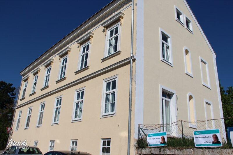 4 Zimmer Wohnung im Zentrum Badens mit Altbaucharme!