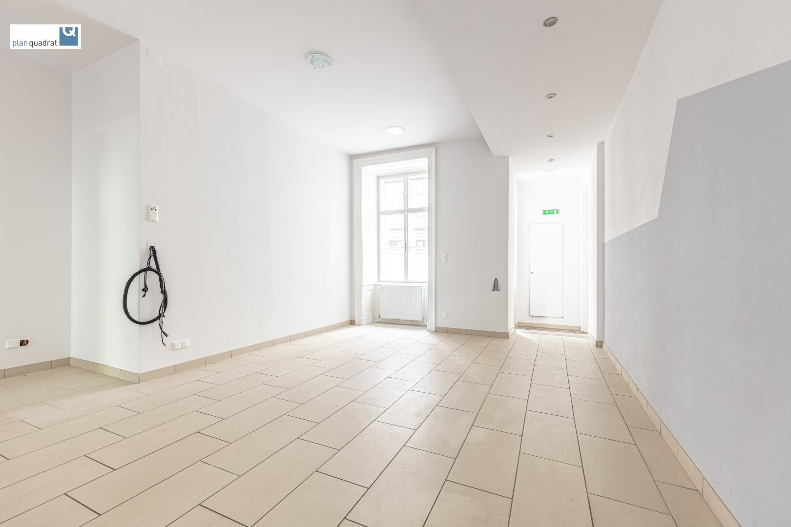 Vorraum / Empfang (ca. 46,30 m²) - Zugang von Stiege 1 (Haupteingang)