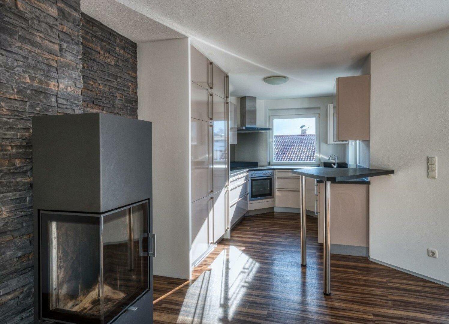 Küche und Speicherofen, 4-Zimmer Maisonette Wohnung, Schwoich