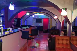 Bar und Studio sofort zu übernehmen!