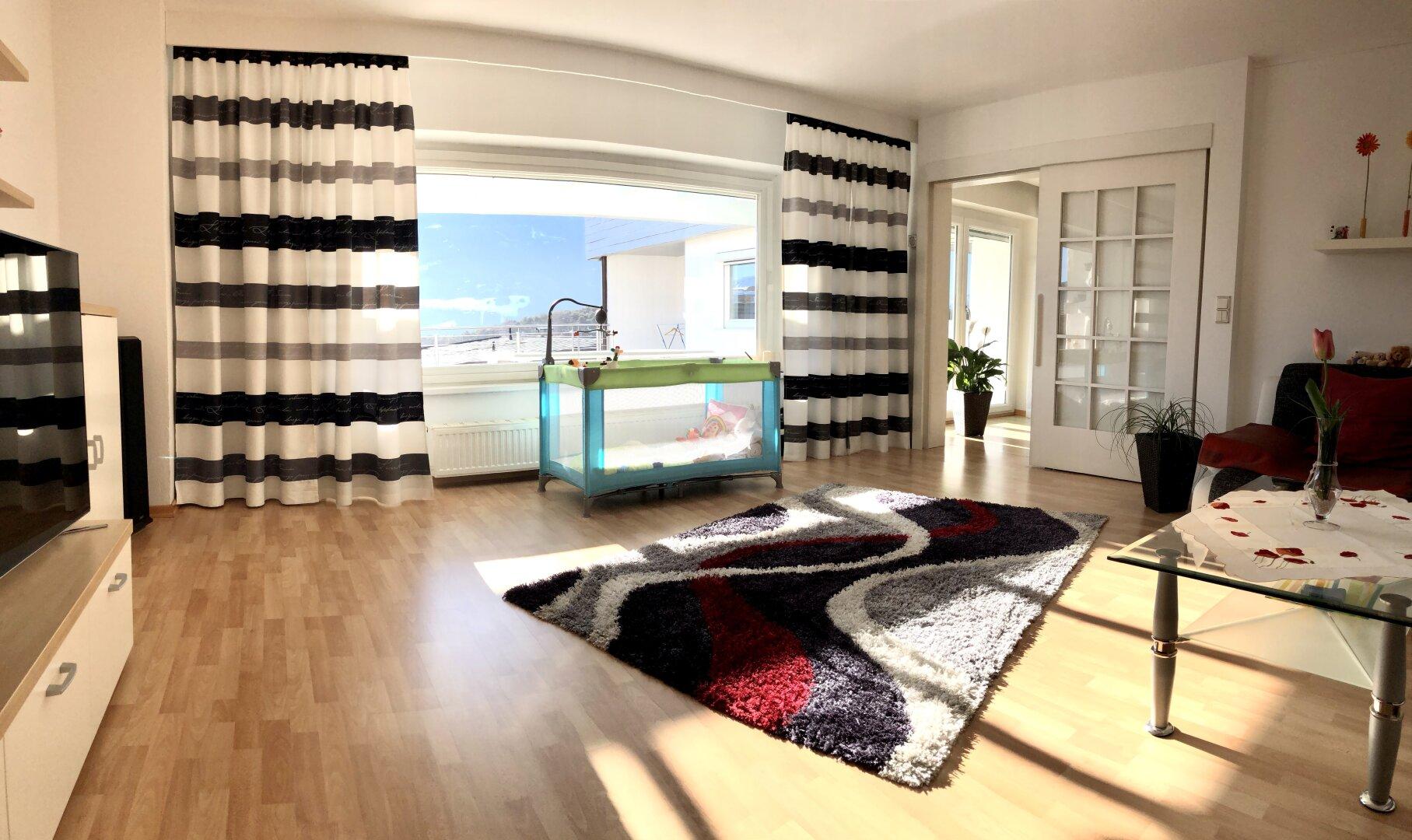 Wohnzimmer mit tollem Ausblick