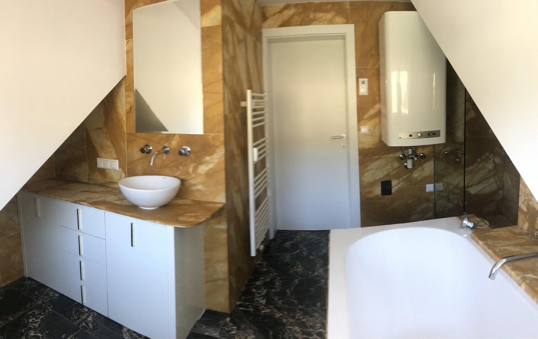 WMA im Badezimmer unter Boiler