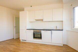 Erstbezug nach Generalsanierung: Helle 2-Zimmer-Wohnung