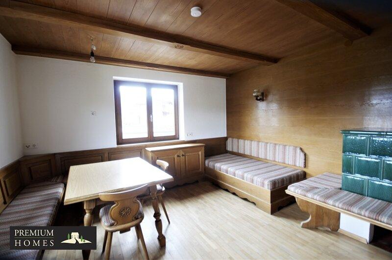 BREITENBACH am Inn - 2 Zimmer Mietwohnung Wohnzimmer mit Sitzecke