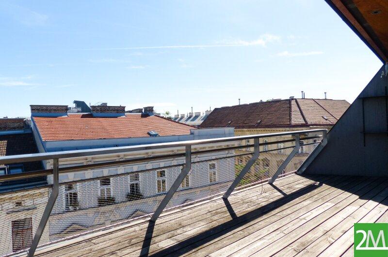 Geräumige Dachgeschoßmaisonette mit Südterrasse /  / 1070Wien / Bild 1