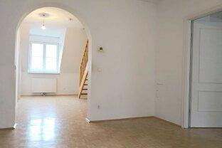 Erfolgreich verkauft! Kahlenberger Straße! Große, Sonnige DG-Wohnung in Hofruhelage / Garage optional!