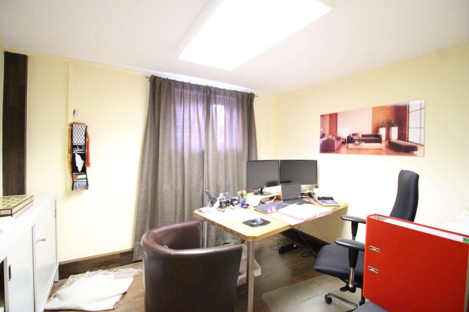 Büro im Souterrain