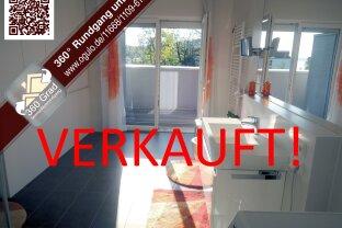 Top designtes Einraum-Penthouse mit traumhaftem SEEBLICK in Ruhelage - nur 140 m vom Wörtherseeufer entfernt!