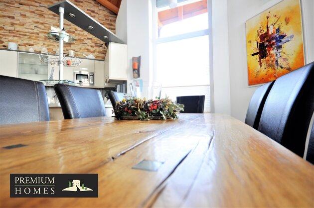Kirchbichl Zweifamilienhaus_ hohe Qualität mit Modernem Design_Wohnbereich_Esstisch