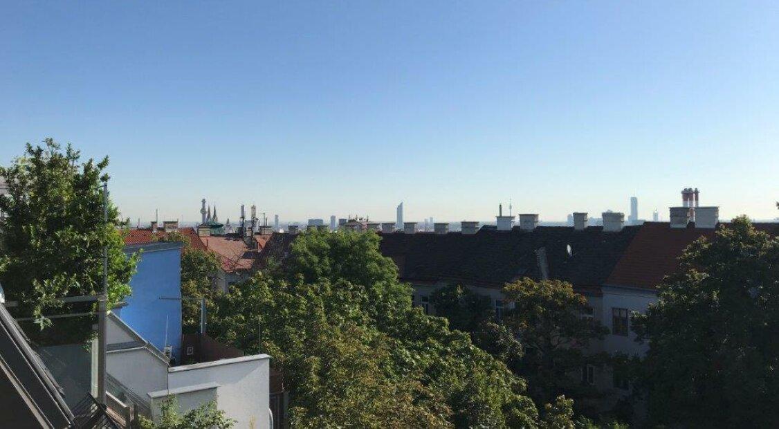 1180! Top ausgestattete DG-Maisonette mit Dachterrasse und Traumblick