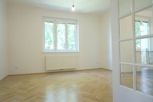 Topsanierte 2-Zimmer Altbauhauptmiete mit gartenseitiger, kleiner Terrasse in Sievering!