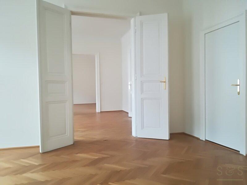 unbefristete 112 m² Altbaumiete /  3,5 Zimmer / Stilhaus /  U6 Nußdorfer Straße /  / 1190Wien / Bild 1