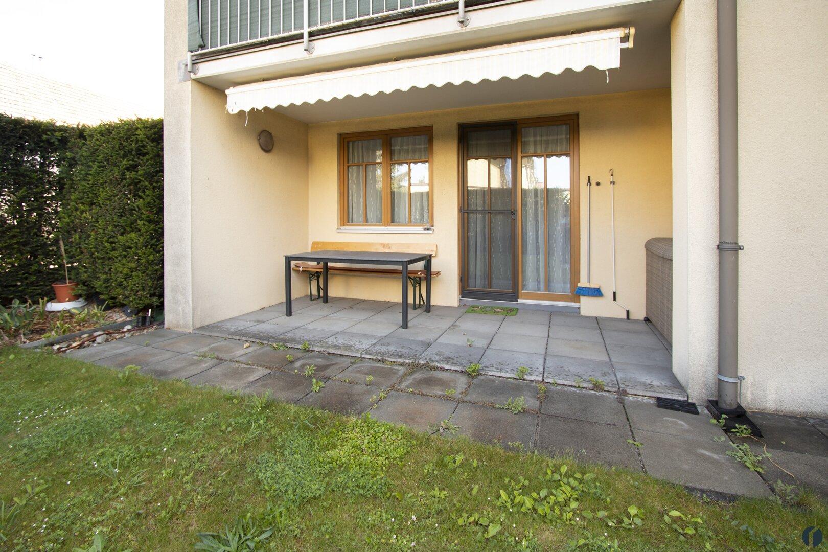 geschützte Terrasse mit Markise