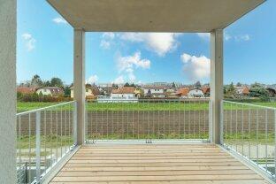 NEU: helle 2-Zimmer Wohnung mit Balkon und Blick ins Grüne