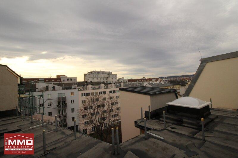 Luxuriöse Dachgeschoß-Maisonette mit Terrasse und Balkon! /  / 1050Wien / Bild 2