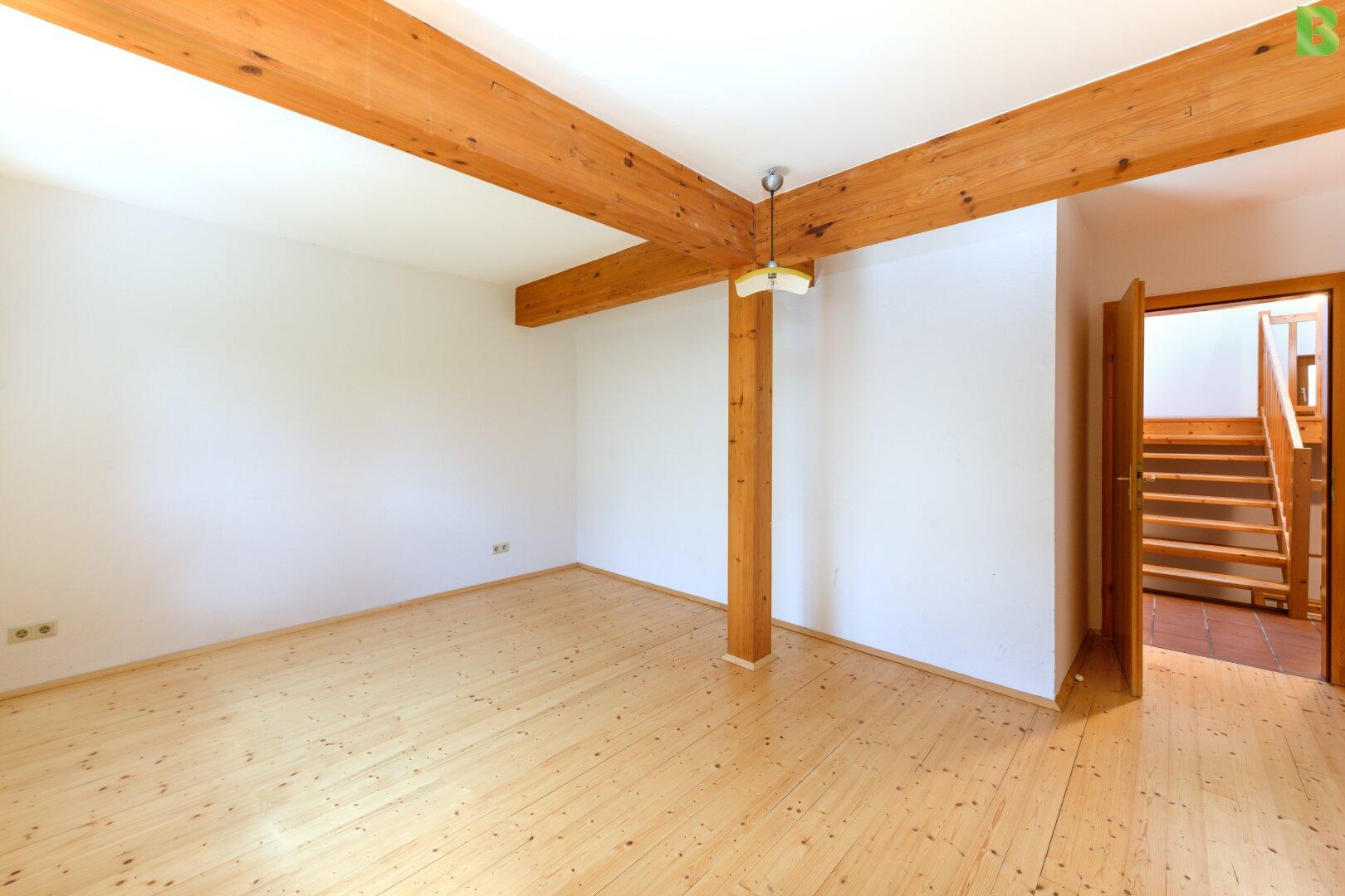 Zimmer oder Home-Office im Erdgeschoss