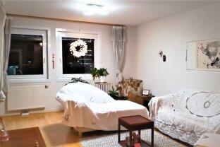 ERFOLGREICH VERMITTELT: Möblierte 3 Zimmer mit separater Küche und Loggia mit Heizung, Warmwasser inklusive ab 01.03.2020 zur Miete !