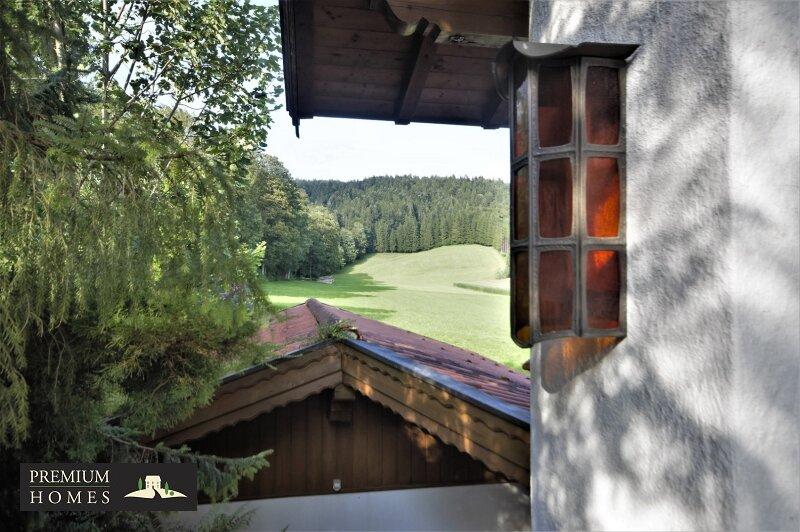 Breitenbach am Inn - Elegantes Landhaus - Sicht Richtung Osten mit Außen-leuchte