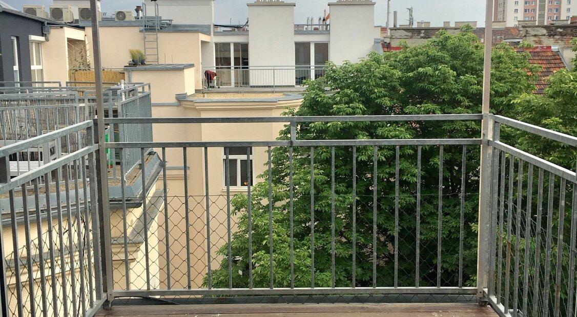 1050! Sonnige und helle 4 Zimmer DG-Maisonette mit Terrasse und Traumblick über Wien!