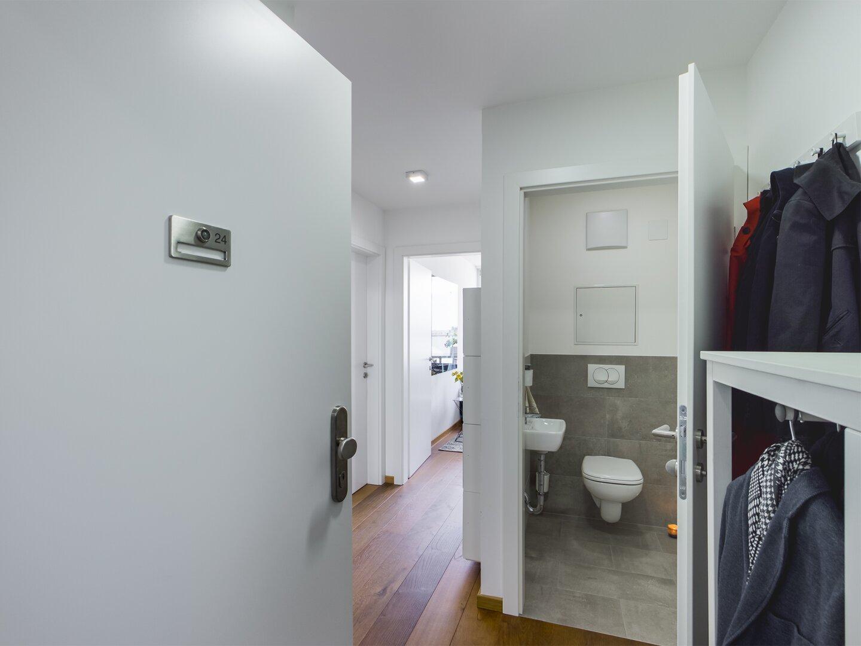 Vorraum und WC