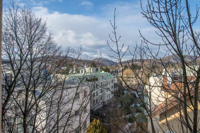 ++NEU++ ERSTBEZUG: Kernsanierte DG-Wohnung in Stilvilla! idyllischer Garten! **perfekt für Anleger** /  / 1140Wien / Bild 5