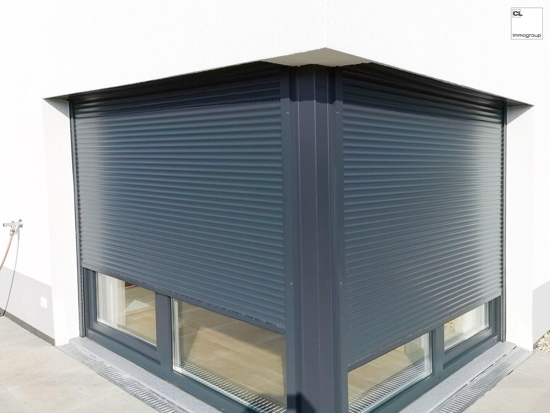 Elektrische Außenjalousie + Eckfenster