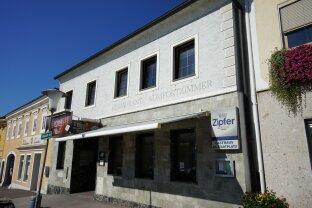 ALL IN ONE: Stadtplatzhaus in Pregarten mit Penthouse - Gasthaus -  5 Fremdenzimmer - Stadtwohnung...ideal auch für Anleger