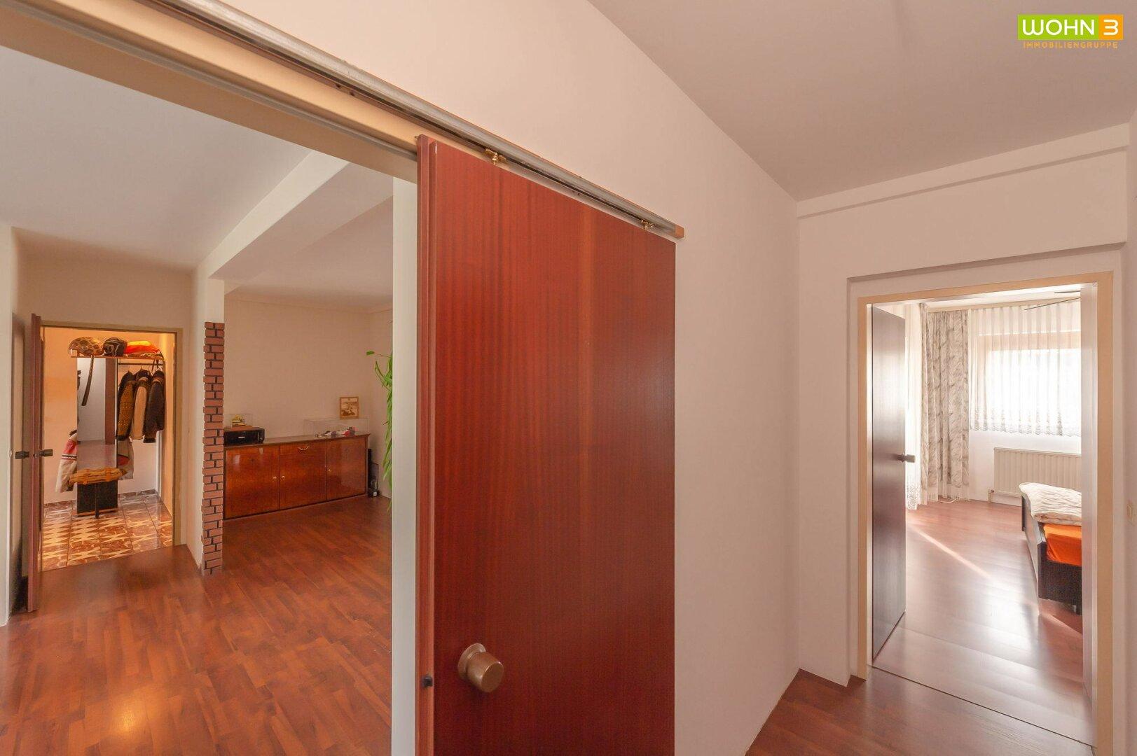 Vorraum 2 (Schlafzimmer und Bad)