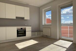 Neu sanierte 2 Zimmer Wohnung mit Balkon   1. Stock   Fernblick   Einbauküche