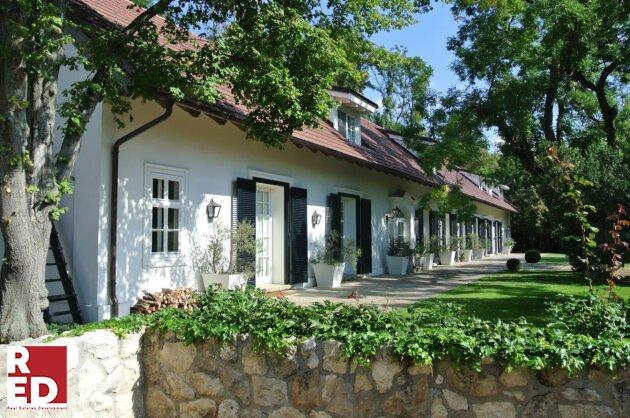 GUTSHOF- LANDSITZ- EINZELLAGE