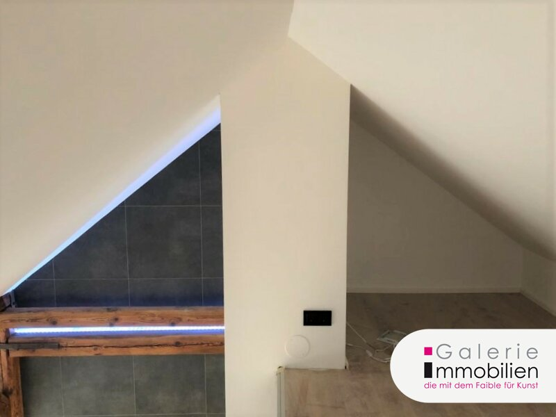 Exklusive Dachgeschoßwohnung mit Grünblick, Eigengarten und Parkplatz Objekt_35143 Bild_28