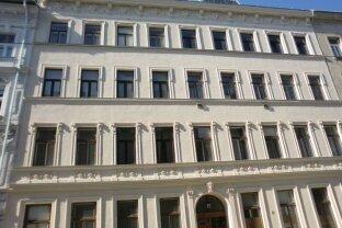 3 Zimmer DG-Maisonette mit Terrasse und Balkon!