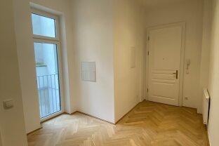 ERSTBEZUG! - 2-Zimmer ALTBAUwohnung, kernsaniert, in aufstrebender Lage