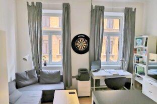 Geräumige 3 Zimmer Wohnung - WG geeignet